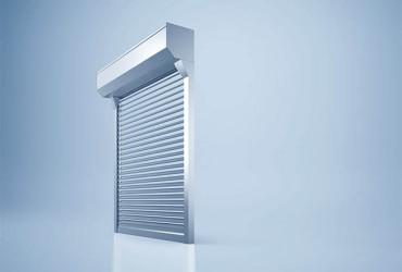 Sonnenschutzlamellen-freigestelltes-Fenster-Lamellen-ganz-geoeffnet