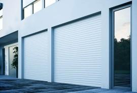 Elektrisches-Garagentore-zwei-Rolltore-weiß