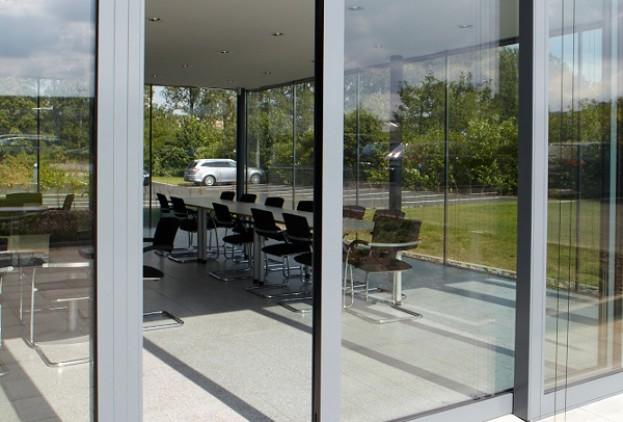 terrassen schiebet ren schiebet r f r terrasse ein nahtloser bergang zum terrassen schiebet. Black Bedroom Furniture Sets. Home Design Ideas
