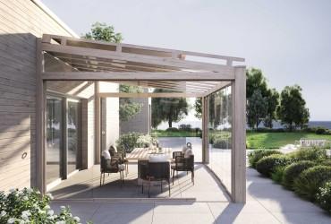 Glasschiebewand-Terrassenueberdachung mit Glasschiebewand in Holzoptik