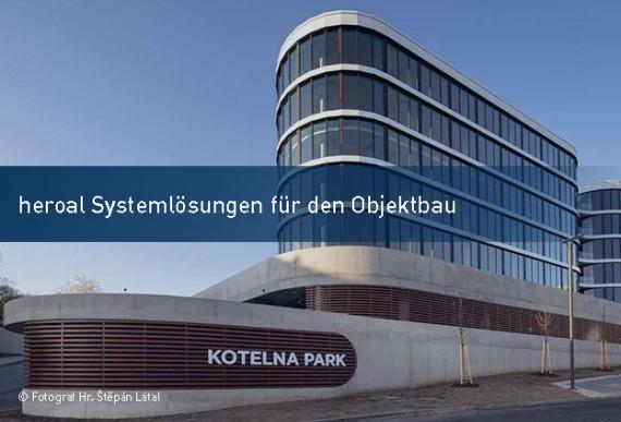 heroal-Objektbau-Systeme-Beratungsgespraech-Bau-online-2021